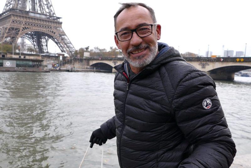 ChrisDetek, le Youtubeur qui dépollue les cours d'eau avec un aimant
