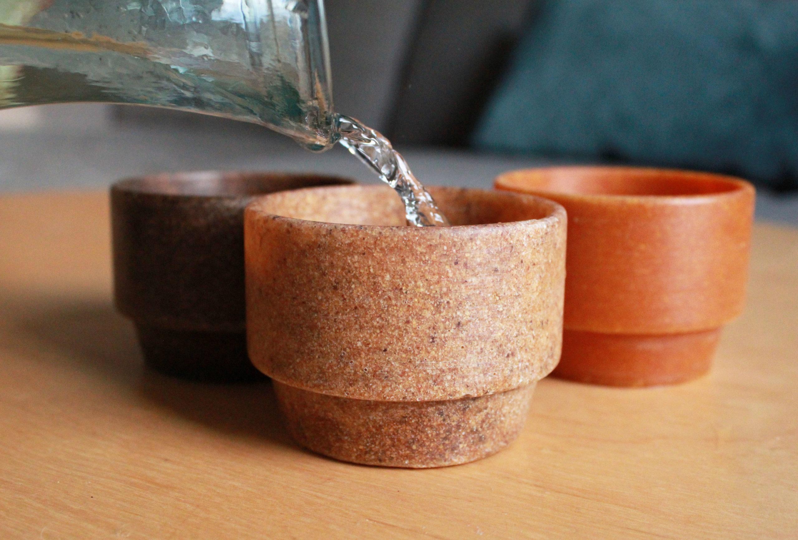 Ils créent des tasses à partir de déchets d'agrumes