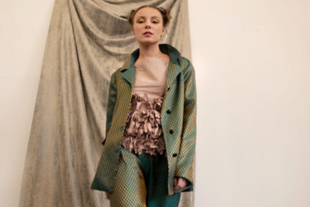 Lo Neel, des vêtements en polyester recyclé