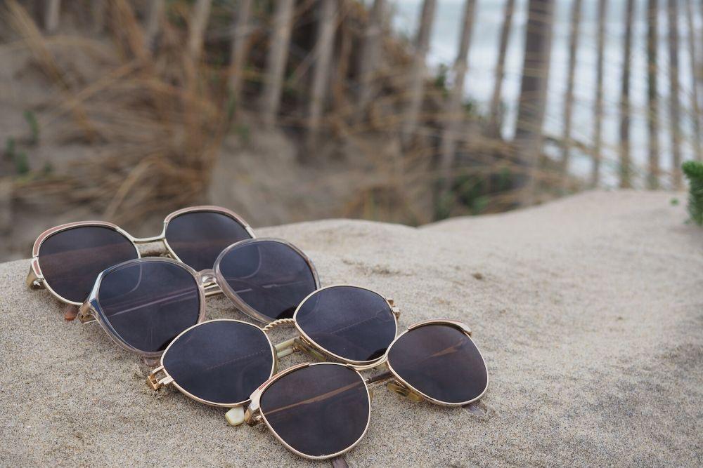 LunelVintage restaure des lunettes de soleil provenant de brocantes ou de stocks oubliés