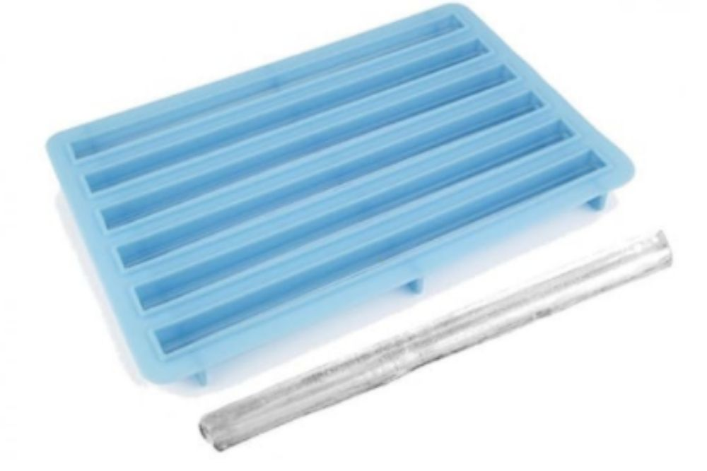 Un moule pour faire des pailles en glace.