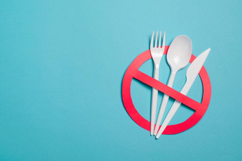 Trois alternatives aux couverts en plastique à usage unique