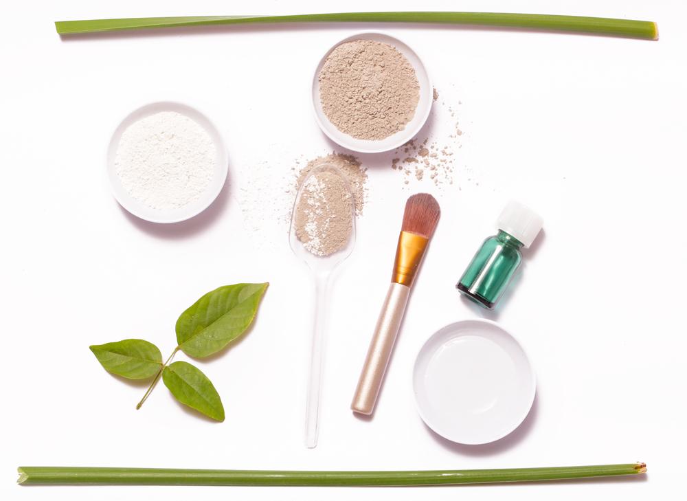 Maquillage zéro déchet : 4 recettes simples à faire chez soi