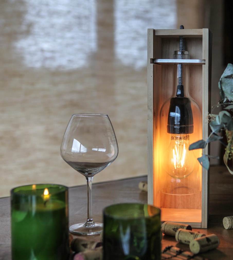 Septembres upcycle des bouteilles de vin usagées.
